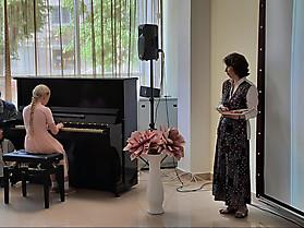 За фортепиано - Елизавета Колбина